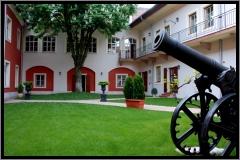 hotel_history